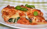 Roulades de lasagnes bolognaise au jambon et épinards, béchamel au parmesan