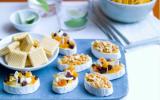 Mini camemberts croustillants et fruits secs aux cacahuètes