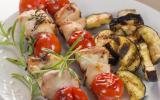 Brochettes de râbles de lièvre marinés au vermouth et romarin