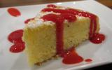 Gâteau aérien au citron-pavot et son coulis de framboises