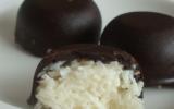 """Petite bouchées à la noix de coco façon """"Bounty fait maison"""""""