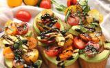 Bruschetta avocat, tomates et réduction de balsamique
