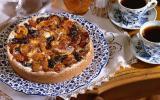Tarte aux fruits secs, abricots et dattes