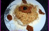 Spaghetti tapenade pesto-tomates maison