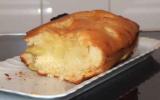 Gâteau moelleux au yaourt et aux pommes simple et rapide