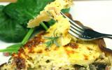 Tarte aux champignons et lardons, salade
