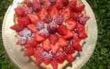 Tarte traditionnelle aux fraises et à la crème pâtissière