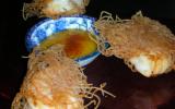 Crevettes marinées frites aux vermicelles de riz