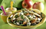 Salade de mâche, poulet, pommes et Saint Agur