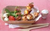 Brochettes de poulet, sauce au yaourt