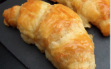 Croissants au fromage de chèvre et huile de noix