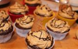 Cupcakes au chocolat avec glaçage aux spéculoos