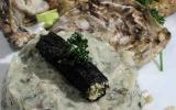 Tartare d'algues et huîtres, rouleau de nori, sablé breton