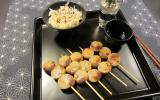 Yakitoris de boudin de Rethel caramélisé à la moutarde de Reims et salade crue de navets boulette de Bussy