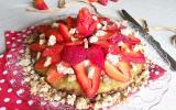 Tarte crumble bretonne au sarrasin, rhubarbe et fraises