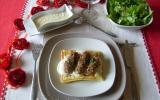 Languettes de dindonneau aux noix, sur lit de gaufre, sauce Mornay