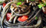 Spaghettis à l'encre de seiche, seiches et épices