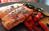 Pavé de saumon mariné aux agrumes et ses légumes grillés