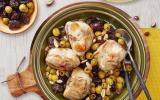 Râbles de lapin aux olives vertes, pruneaux et amandes