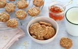 Biscuits aux flocons d'avoine, sarrasin, banane et zeste de citron