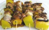 Brochettes de viande en sauce de soja
