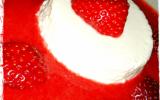 Panna cotta légère et coulis de fraises