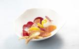 Coeur de saumon de Norvège fumé, oeuf mollet et betteraves à l'orange