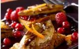 """Le foie gras poêlé sur tranche de pain d""""épices et fruits rouges"""