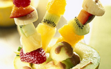 Brochettes de melon aux fruits rouges