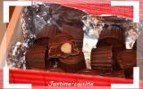 Petits chocolats fourrés au caramel beurre salé, chocolat au lait et noisette