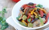 Salade de thon à l'asiatique, légumes de saison