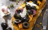 Bruschetta olives, manchego et cerises