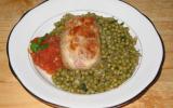 Paupiette de veau avec des tomates et des petits pois