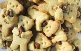 Petits biscuits ours aux amandes et aux noix