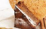 Moelleux au pain d'épices au vieux Pontarlier, marmelade de rhubarbe et Griottines® de Fougerolles