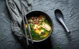 Soir de flemme : 5 trucs à rajouter dans sa soupe miso toute faite