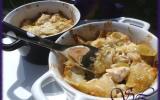 Cassolette poireaux-poulet sauce à la moutarde
