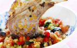 Carré d'agneau rôti à la fleur de sel de pamplemousse de Floride, légumes croquants au miel de thym