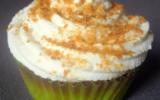 Cupcake aux pommes caramélisées, topping crème fouettée et poudre de caramel au beurre salé