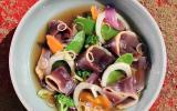 Gravelax de canard au sel de Camargue aromatisé senteurs - bouillon corsé et légumes du moment