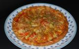 Tarte fine à la tomates-mozza, sur lit de moutarde à l'ancienne