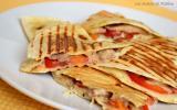 Quesadillas aux sardines, tomates et mozzarella
