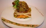Souris d'agneau en croûte de pistaches vertes, sur un nid croustillant de légumes épicés et parfumés à la coriandre