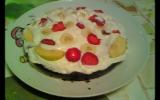 Fondant au chocolat recouvert de chantilly + fruits