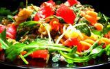 Salade de pâtes, thon, roquette, tomate & Feta