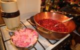 Confiture de cerises aux pétales de rose