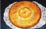 Tarte aux pommes enrichie de crème ou de compote