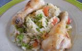 Pilons de poulet rôti sur riz aux légumes