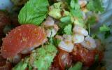 Salade thaï aux crevettes, pamplemousse et menthe