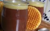 Flan choco du placard, avec son couvercle au chocolat blanc